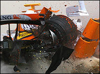 Heikki Kovalainen crashes his Renault in Bahrain testing in February