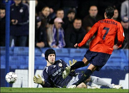Porto's Ricardo Quaresma scores at Stamford Bridge