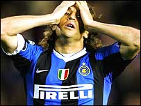 Hernan Crespo despairs as Inter go close in Spain