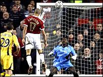 Henrik Larsson scores against Lille