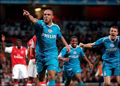 PSV's Rodrigo Alex celebrates