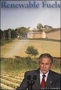 El presidente Bush ha hablado a favor del uso de etanol y dicen ke causo miedo.