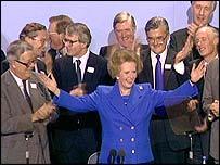 Margaret Thatcher y su gabinete