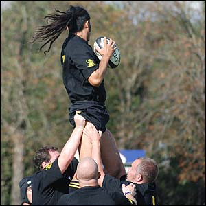 Paul Hearnden's picture shows Sol Henarae soaring into the air while warming up for the Wasps Buccaneers