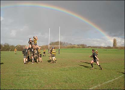 Tom Hill sent us this photo of Dorian Jenkins winning clean line-out ball for Wallingford RFC against Gosford All Blacks