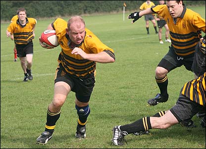 Dave Rutter captures this determined run in the match involving Bromley RFC in Kent