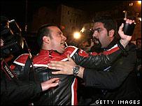 Guards and press clash in Jerusalem