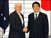 Australian Prime Minister John Howard and Japanese Prime Minister Shinzo Abe