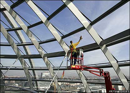 Window cleaner at Reichstag