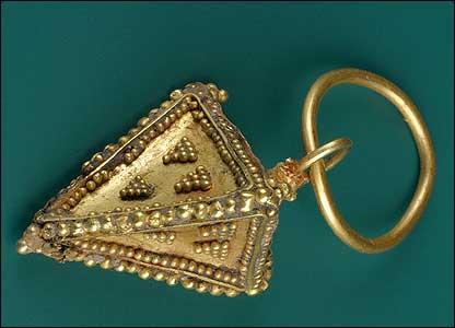 Merovingian gold clasp (Pushkin Museum)