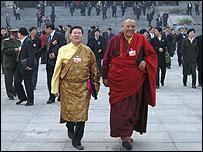 Tibetan deputies leaving