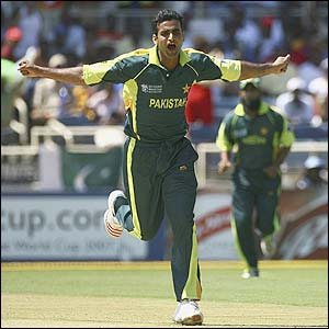 Pakistan's Iftikhar Anjum claims the second wicket