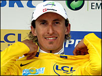 Franco Pellizotti takes the yellow jersey after stage two of the Paris-Nice race