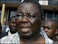 Morgan Tsvangirai leaving court on 13 March 2007