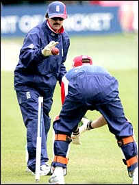 Jack Russell puts Geraint Jones through his paces for England
