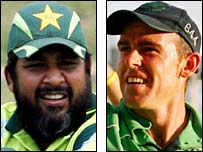 Rival captains Inzamam-ul-Haq and Trent Johnston