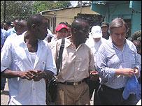 Antonio Guterres (primero desde la derecha) en Colombia