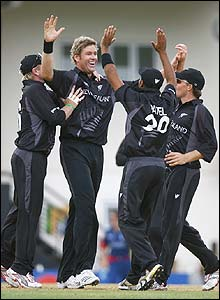 New Zealand's players celebrate Ian Bell's dismissal