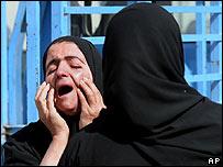 Madre llora la muerte de su hijo