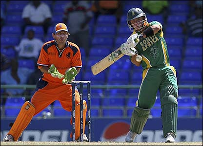 South Africa's Herschelle Gibbs hits his sixth six