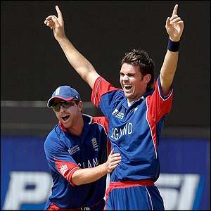 Pietersen congratulates Anderson