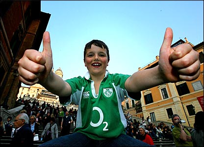 Young Ireland fan gets in the mood ahead of kick-off