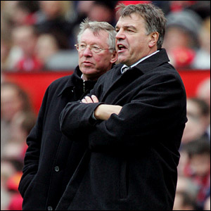 Sir Alex Ferguson talks to Bolton boss Sam Allardyce on the touchline