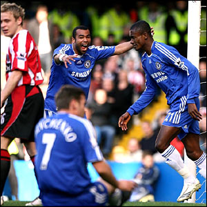 Ashley Cole congratulates Salomon Kalou