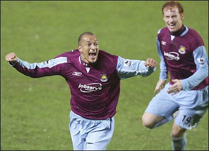 Bobby Zamora celebrates