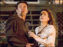 Julian McMahon and Sandra Bullock in Premonition