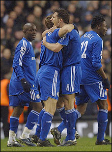 Chelsea's players celebrate Shevchenko