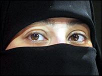 Girl wearing niqab