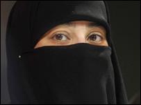 Mujer con velo isl�mico