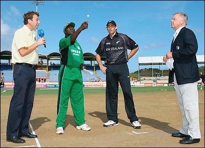 Steve Tikolo wins the toss for Kenya