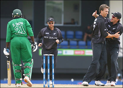 New Zealand celebrate their first wicket