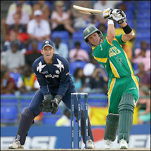 AB de Villiers entertains the crowd with some big shots