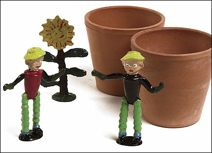 Luntoy Bill and Ben The Flowerpot Men set, circa 1952 Estimate:  part of lot �200 � 300 (the lot) (Christie's Images)