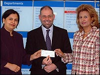 Surgeon Sunita Shrotria (left), trust chief executive Glenn Douglas and Lorna Ponti