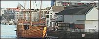 Barco en puerto de Bristol