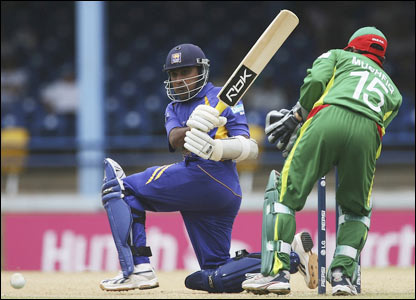 Mahela Jayawardene plays a shot during his innings