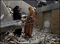 Homeless Iraqi women living in destroyed building in Baghdad