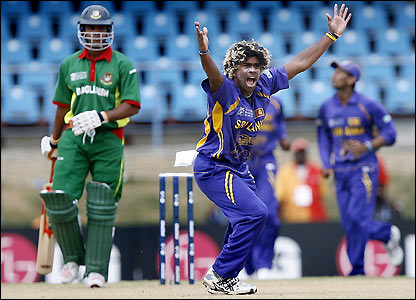 Malinga removes Abdur Razza