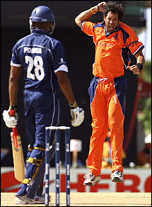 Billy Stelling celebrates the wicket of Navdeep Poonia