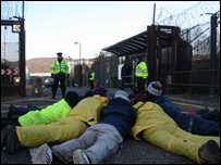Base protesters: Picture courtesy of Indymedia