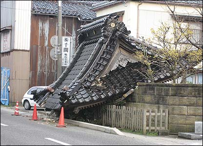 A fallen roof in Wajima (Pic: Clive Cotterell)