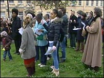 Ringing on College Green