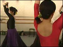 Japanese women dancing