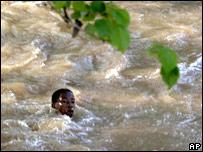 Inmigrantes haitianos en el río Massacre