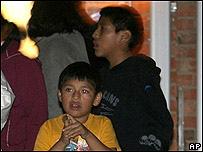 Niños en Greeley, Colorado, tras redada de inmigración en 2006