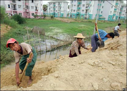 Naypyidaw workers